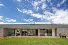 Galeria de Casa LK / Estúdio MRGB - 9