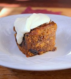 A rich, boozy, classic of Cape cookery that will warm the heart of anyone who appreciates warm, cakey puddings. This recipe was given to me . South African Recipes, Pudding Cake, Tart Recipes, International Recipes, Pie Dish, Sweet Treats, Deserts, Good Food, Dinner Recipes