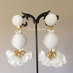 #Lesbonbon #hechoamano #EloisaHerrera #jewelrydesigner #custom #artesania #todaysoutfit #outfitpost #earrings #pendientes #zarcillos #aretes #WorkingMom #MomOf3 #HechoaMano #HandMade #jewelry #EloisaStyle #accesories #fashion #musthave #ootd #fashionwoman #MadeInRD #dominicanrepublic #EarringsOfTheDay #AccesoriosPersonalizados Diy Earrings, Flower Earrings, Tassel Earrings, Earrings Handmade, Handmade Jewelry, Fabric Jewelry, Wire Jewelry, Beaded Jewelry, Jewelery