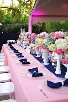 Navy and Pink Wedding Decor with pink polyester tablecloths, navy blue runners and napkins. #weddingdecor #pink #navyblue #weddingideas #weddingdecorations #cvlinens http://www.bridesofnorthtexas.com/dfw/image/12883
