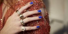 Harpers Bazar // Nail trends 2016 // Royal Blue Treatment // Amazing look!