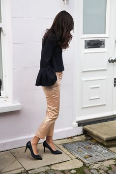 http://allabouttara.com/something-sparkling/ #London #outfit #shoes #pumps #allabouttara #fashionblogger #style #fashion