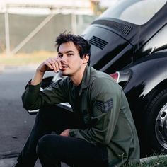 Actor Tyler Blackburn looks so good