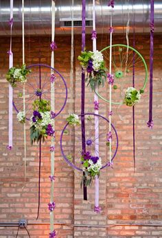 Bike Wheel Decor - Maybe dream catchers? Bicycle Themed Wedding, Bicycle Party, Vitrine Design, Bicycle Decor, Bicycle Design, Bicycle Crafts, Decoration Vitrine, Deco Nature, Wagon Wheel