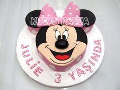Minni Mouse Surat Pasta - Minnie Head Cake