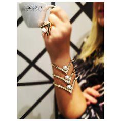 ☕️ #designmariadolores #mariadolores #MDGirls #gold #design #café