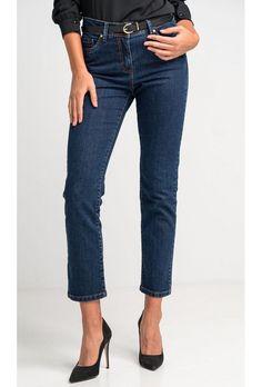 Ψηλόμεσο πεντάτσεπο σκούρο τζιν παντελόνι αστραγάλου με μικρή ελαστικότητα σε κανονική γραμμή, εξώγαζα, κλείσιμο μπροστά με φερμουάρ και μεταλλικό κουμπί.Ελληνική ραφή. Casual Looks, Jeans, Shopping, Fashion, Moda, Fashion Styles, Fashion Illustrations, Denim, Denim Pants