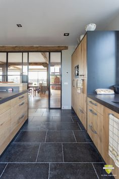 Home Reno, New Kitchen, Home And Living, Planer, Home Kitchens, Ideal Home, Tile Design, Kitchen Design, Interior Decorating