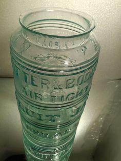 Antique Glass Bottles, Vintage Jars, Vases, Mason Jars, Glass Vase, Antiques, Green, Collection, Beautiful