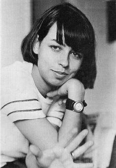 Nara Leão aos 15 anos, em 1956. Veja mais em: http://semioticas1.blogspot.com.br/2012/04/certas-cancoes.html