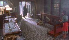 Scena dal film Chocolat del 2000, diretto dal regista Lasse Hallström con Juliette Binoche e Johnny Depp. Pavimento con #cementine