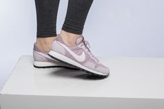 Girls, the Nike WMNS Air Pegasus 83 is available at our shop now! EU 35,5 - 42 | 85,-€