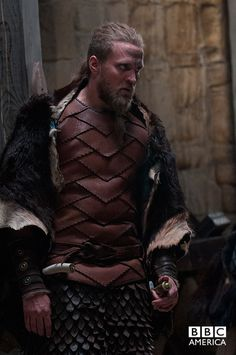 Ragnar the Younger - Tobias Santelmann in The Last Kingdom, set in the late 9th century (TV series 2015).