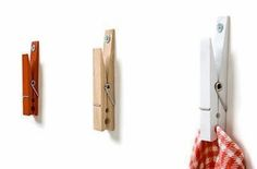16 Creative Ideas for Recycling Common Household Items. Need some creative ideas for recycling stuff around your house? Creative Walls, Creative Home, Creative Things, Diy Rangement, Ideas Prácticas, Ideas Para Organizar, Ideas Hogar, Towel Hooks, Towel Hanger