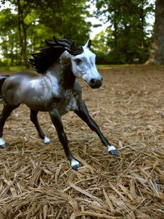 Custom Classic sized Breyer Horse Model to Look by OfNatureDesigns, $85.00