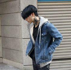 Korean Fashion – How to Dress up Korean Style – Designer Fashion Tips Korean Boys Ulzzang, Cute Korean Boys, Ulzzang Boy, Asian Boys, Ulzzang Style, Korean Fashion Men, Korean Men, Boy Fashion, Mens Fashion