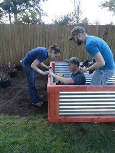 corrugated metal raised bed would be nice in a smaller version for flowers. Would have to find out if the metal is foodsafe before planting veggies or herbs.