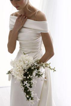 Romantic Wedding Dress Tulle Off-the-shoulder Bride Dress,Neckline A-line Wedding Dress With Beaded Wedding Dress Trends, Dream Wedding Dresses, Wedding Gowns, Bridal Skirts, Bridal Gowns, Traditional Gowns, Bridal Cape, Bridal Fashion Week, The Dress