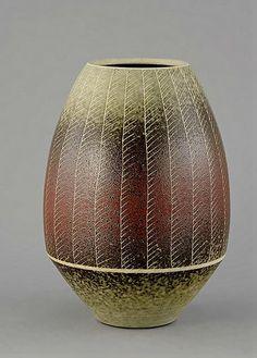 Inke Lerch-Uwe Lerch and Brodersen, Bunsdorf Vase Ceramic Jars, Ceramic Pottery, Pottery Art, Beatrice Wood, Sgraffito, Contemporary Ceramics, Ceramic Artists, Beautiful Artwork, Art Day