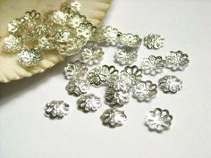 40 Silver Plated Flower Bead Caps - 18-SBC-1 by TreeChild1 on Etsy