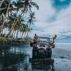 Happy Saturday A classic toyota #fj40 on the beach in #Bali  . . . . #toyota #adventure #travel #beach #trees #4x4 #southflorida #palmtrees #ftlauderdale #fortlauderdale #miami #suv #offroad