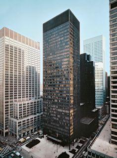 America's Top 10 buildings | Seagram Building by Mies van der Rohe