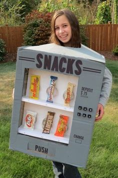 DIY Halloween Costume Ideas {Living Creative Thursday} Thrifty and Thriving made an adorable Candy Vending Machine Costume. featured on Feature article Spooky Halloween, Diy Halloween Costumes For Kids, Creative Costumes, Halloween Movies, Halloween Desserts, Halloween Face Mask, Halloween Projects, Halloween Makeup, Costumes For Women