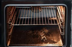 It's basically impossible to cook and not to stain the stove with grease or other food scraps which will turn into burns. And when it comes to clean the oven, I better run! I hate this job, because… Self Cleaning Ovens, Cleaning Appliances, Car Cleaning, Cleaning Hacks, Home Appliances, Cleaning Recipes, Kitchenaid, Clean Sweep, Clean Up