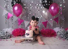 Hot Pink, Black & Grey Minnie Mouse Glam Smash Cake Photography Session | CT Smash Cake Photographer Elizabeth Frederick Photography www.elizabethfrederickphotography.com