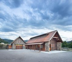 www.horsealot.com, the equestrian social network for riders & horse lovers   Equestrian Lifestyle : luxury barn.