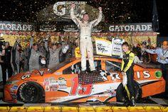 Carl Edwards won an amazing #NASCAR Sprint Cup race at #Darlington - latimes.com