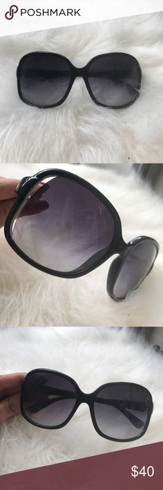 Marc by Marc jacobs sunglasses Small scratch on lense. SUPER hard to see. Great condition. No case. Marc By Marc Jacobs Accessories Sunglasses