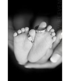 Idée pour photographier les alliances ~ Famille ~ Bebe ~ Mariage ~ Parents