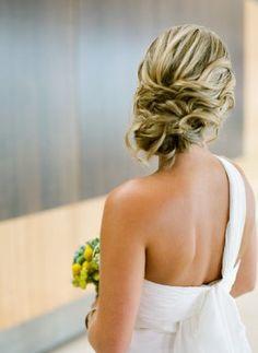 coques com fios soltos para noivas - Pesquisa Google