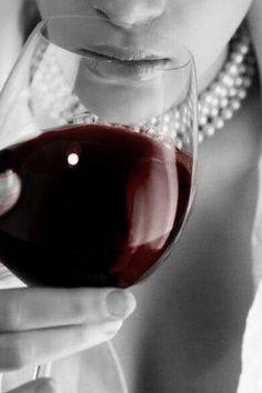Pearls and Wine Color Splash, Color Pop, Woman Wine, Wine Art, Wine O Clock, In Vino Veritas, Foto Art, Wine Time, Wine Country