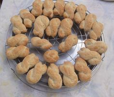 Sicilian biscuits, old recipe of my grandmother ! Italian Cookie Recipes, Sicilian Recipes, Italian Cookies, Italian Desserts, Baking Recipes, Biscuit Dessert Recipe, Dessert Recipes, Italian Biscuits, Italian Pastries