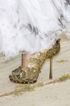 Alexander McQueen Spring 2011 #wedding #bridal #shoes #bridalshoes #alexandermcqueen