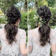 大人可愛いポニーテールのブライダルヘアアレンジまとめ   marry[マリー] Party Hairstyles, Wedding Hairstyles, Bridal Makeup, Bridal Hair, Ponytail Styles, Hair Styles, Hair Designs, Flower Crown, Flower Girl Dresses