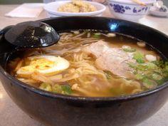 Ingredientes: 1/4 de pollo (si hay huesos un tanto mejor) 1lb. Carne de cerdo Cebolla blanca (1 ramita) 1 Cebolla colorada 1 cuchar...