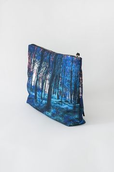 zubi is a spanish brand inspired by travelling, that makes printed cool bags for special people who love quality and handmade pieces. Forest Fashion, Blue Forest, Family Traditions, Contemporary Design, Artisan, Pouch, Brand Name Purses, Handmade Accessories, Branding
