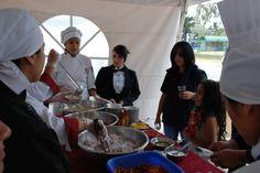 Variada Gastronomía elaborada por estudiantes del Instituto de Turismo y Hotelería Internacional, deleitó al público asistente a Hecho en Casa, la Fiesta de la Cultura.