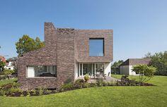 Brick House Groenekan by Zecc Architects