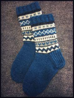 Knitting Ideas Socks Yarns 24 Ideas For 2019 Knit Mittens, Knitting Socks, Baby Knitting, Knitting Designs, Knitting Patterns, Knitting Ideas, Lots Of Socks, Crochet Circles, Warm Socks