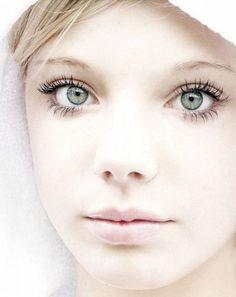 Natural Skin Whitening Tips Beauty Tips In Hindi, Beauty Tips For Hair, Natural Beauty Tips, Beauty Hacks, Face Lightening, Skin Lightening Cream, Lighten Skin Tone, Night Beauty Routine, Back To School Makeup