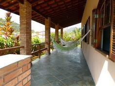 Casa+com+ampla+varanda+para+você+viver+o+seu+tempo+na+Praia+da+Lagoinha++++Imóvel para temporada em Ubatuba da @homeaway! #vacation #rental #travel #homeaway