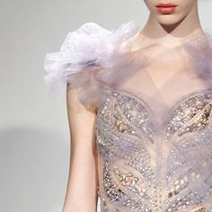 Marchesa always has the best dresses <3