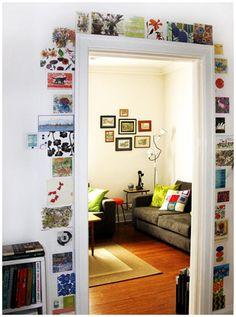 Hoy te proponemos una idea original, alegre, llamativa y divertida. Una idea que te permite crear una precioso detalle en torno al marco de lo la puerta...