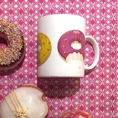 Taza donuts de colores. Colección de comida rápida y para llevar! #originales #tazas #donuts