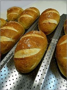 Recipes, bakery, everything related to cooking. Pain, Bread Recipes, Lime, Food And Drink, Pizza, Cooking, German Recipes, Hungary, Breads