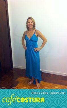 Vestido azul para combinar com os olhos da Mônica! (que são verdes!)